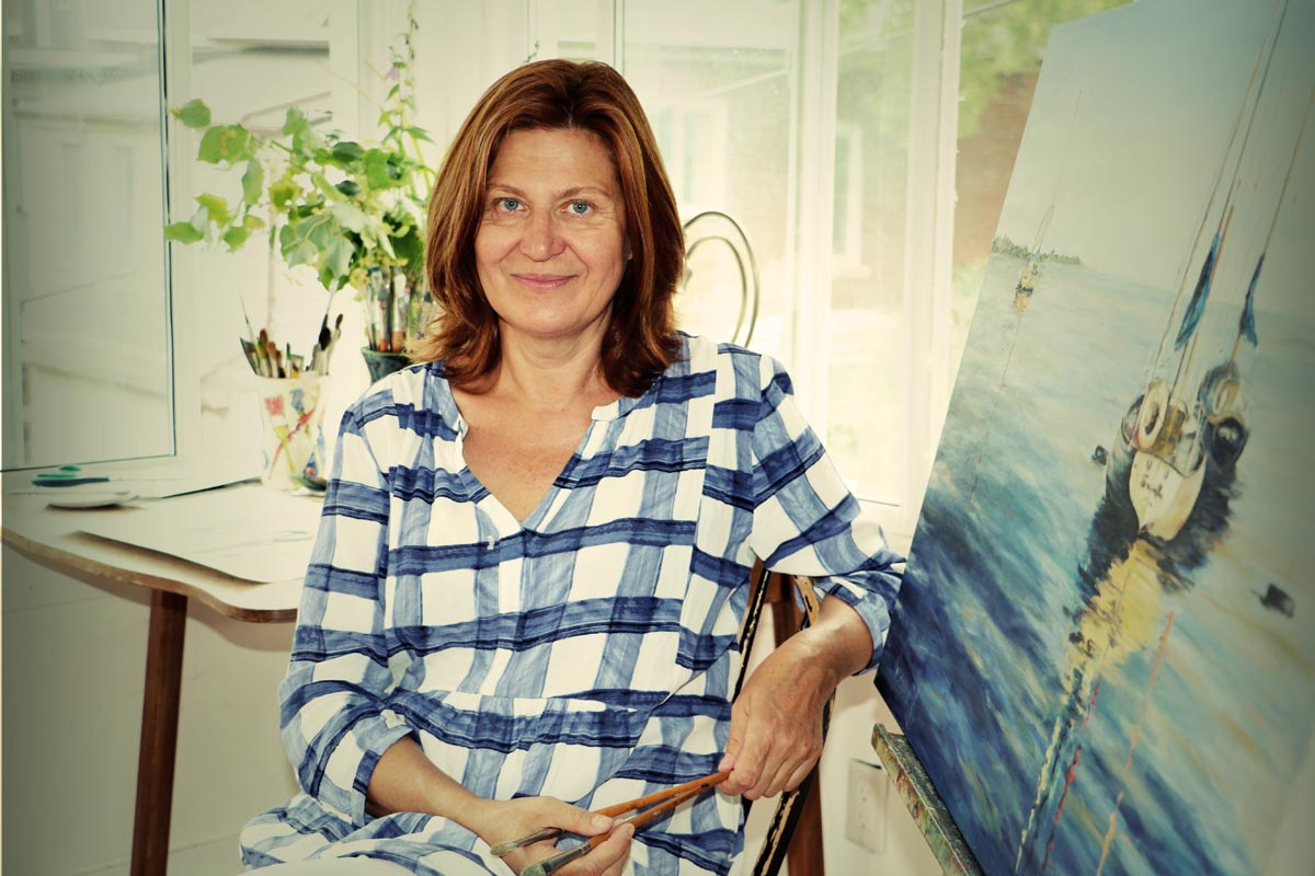 Toronto artist Olga Nabatova has three passions: art, sailing and travel. She strives to incorporate these things, as well as all aspects of her life, into her art.